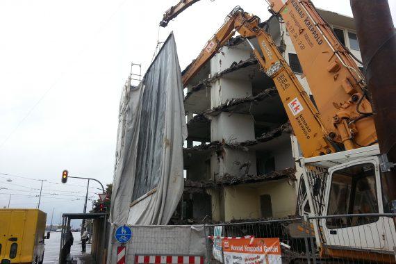 Abbruch,_Aushub_und_Verbau_Büro-_und_Geschäftshaus_Bild2