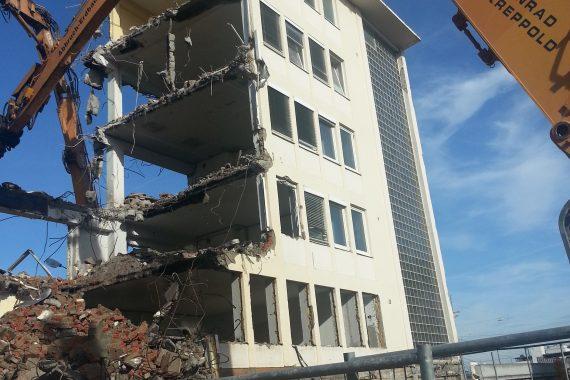 Abbruch,_Aushub_und_Verbau_Büro-_und_Geschäftshaus_Bild5